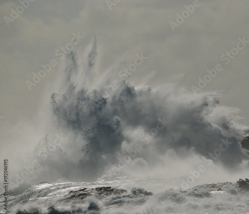 Aluminium Donkergrijs Big explosion of water, wave breaking against the rocks, coast of Gran canaria