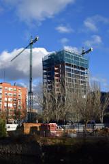 Rascacielos en proceso de construcción.