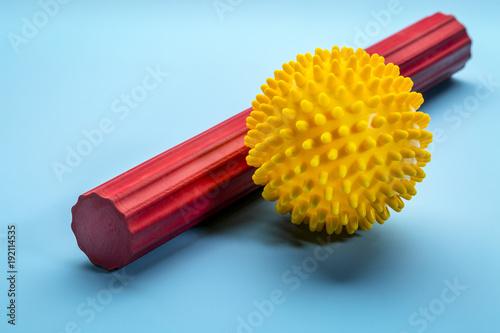 Tuinposter Bol spiky self massage ball and roller bar