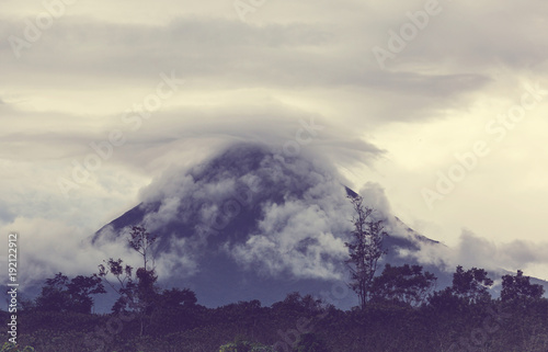 Fotobehang Galyna A. Arenal volcano