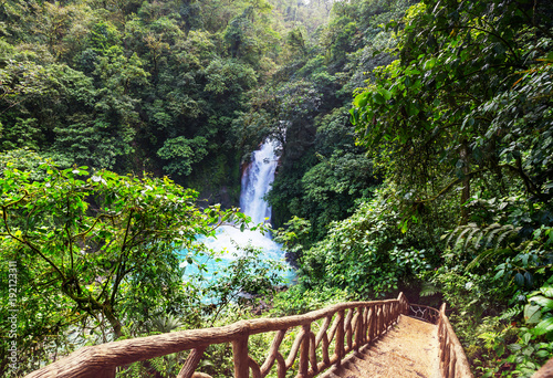 Fotobehang Galyna A. Waterfall in Costa Rica