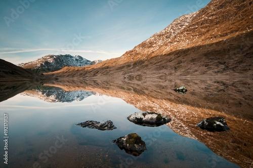 Foto op Canvas Grijze traf. lake landscape