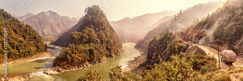 Papiers peints Photos panoramiques Estuary of River Seti Gandaki into Trishuli, Nepal