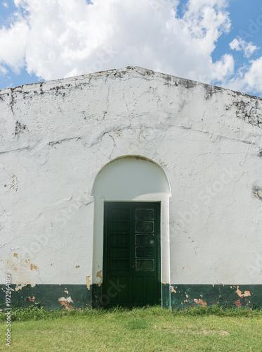 Frente de una casa antigua colonial