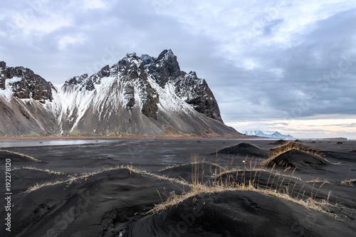 Fotobehang Grijs amazing wild landscape at stokksnes, iceland
