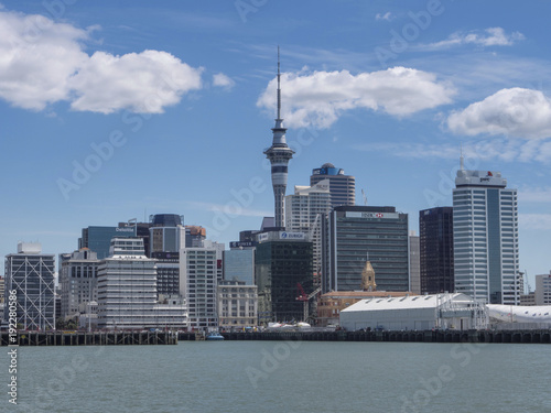 Fotobehang Toronto City of Auckland New Zealand Skyline with skytower
