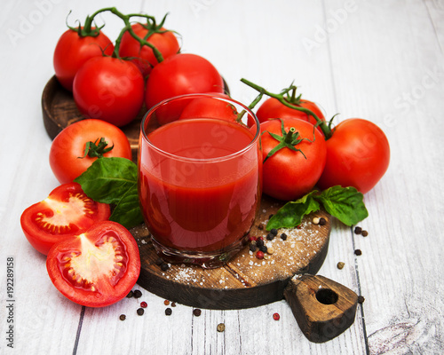 Tuinposter Sap Glass with tomato juice