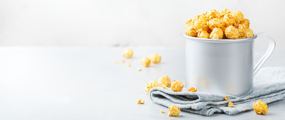 Sweet caramel popcorn for party or cinema at home © aamulya