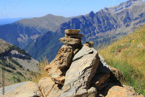 Fotobehang Beige Hito de montaña en los Pirineos