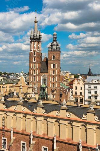 Staande foto Krakau St. Mary's Church at Main Square, Krakow, Poland