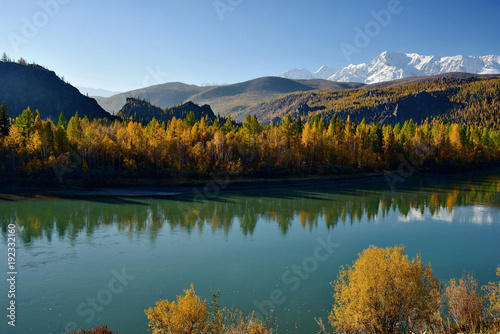 Fotobehang Groen blauw Russia. The South Of Western Siberia, Autumn in the Altai Mountains, the Chuya river.