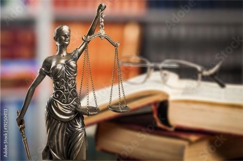Justice. - 192504113