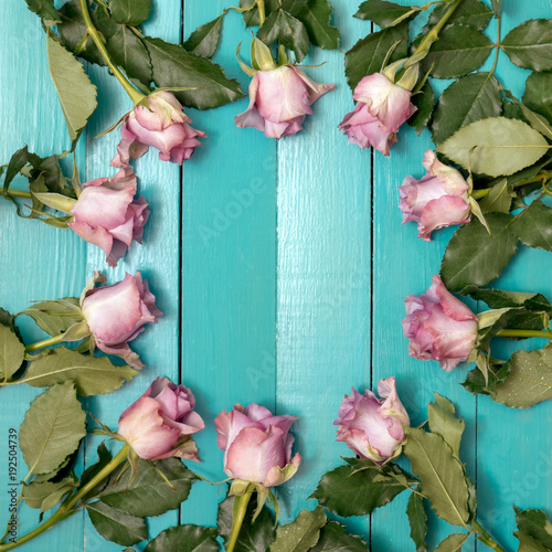 many beautiful roses on a blackboard, a bouquet of roses