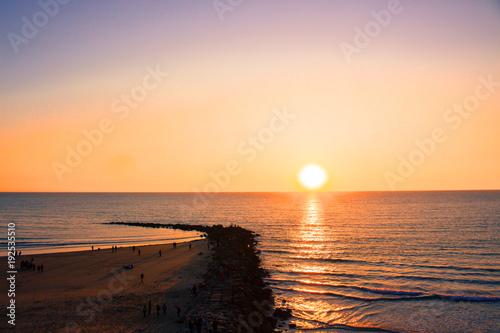 Papiers peints Mer coucher du soleil Sunset. Cádiz beach in the evening. Cádiz. Picture taken – February 10, 2018.