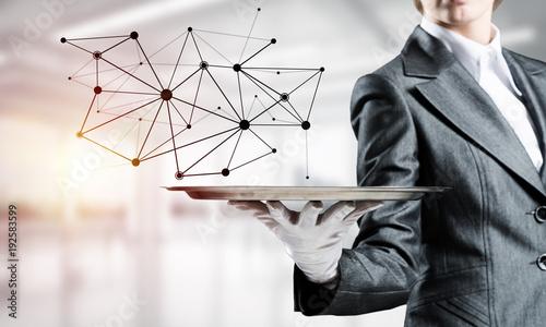 Presenting modern wireless technologies.