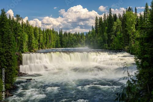Papiers peints Canada Dawson Falls on the Murtle River in Canada