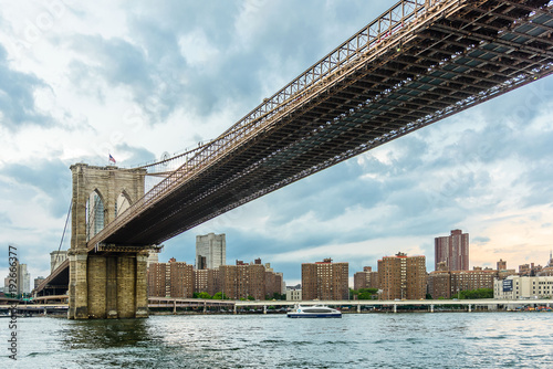 Foto op Aluminium New York New York skyline with Brooklyn Bridge