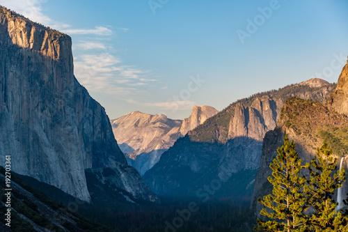Papiers peints Bleu nuit Yosemite National Park Valley summer landscape