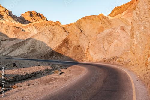 In de dag Oranje eclat Artist's Drive in Death Valley