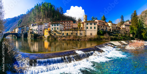 Aluminium Freesurf Traditional villages of Tuscany - Bagni di Lucca, famous for his hot springs. Italy
