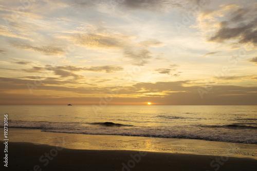 Papiers peints Morning Glory Sunrise at Hangar Beach in Florida.