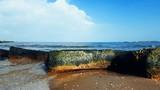 Seashore stones and waves - 192770152