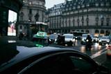 Taxi in attesa a parigi - 192890114