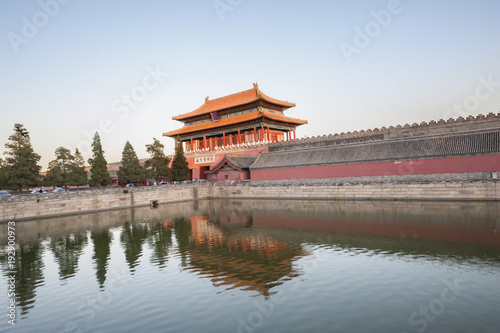 Foto op Canvas Peking Shenwu gatetower of Forbidden City at dusk