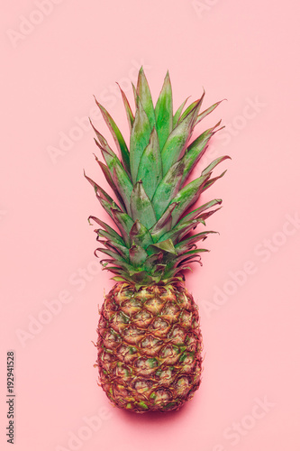 pineapple on colored paper - 192941528