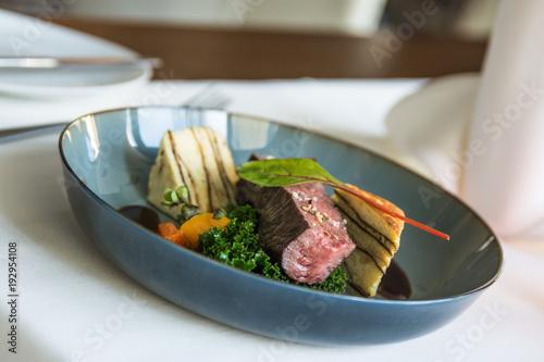 Papiers peints Steakhouse feines Steak zum Mittagessen