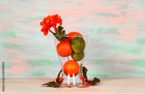 ваза с апельсинами