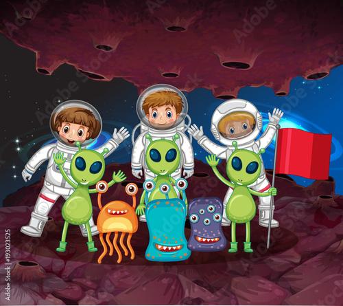 Papiers peints Jeunes enfants Astronauts and aliens on the same planet