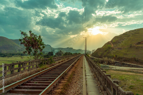 Foto Murales Railroad trough valley