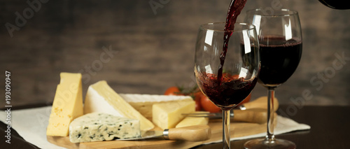 Foto Murales Red Wine and cheese board