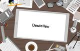 Schreibtisch mit Tablet - Bestellen - 193151382