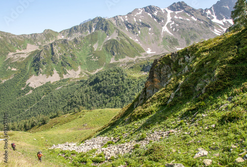 Foto op Plexiglas Pistache Hiking to the lakes of Arkhyz. Karachaevo Cherkessia.