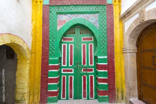 Papiers peints Maroc Moroccan traditional door in old medina district