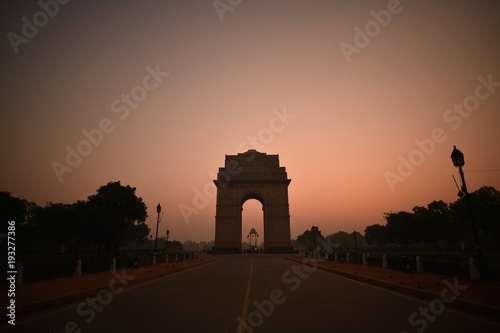 Wall mural India Gate early morning at sunrise time