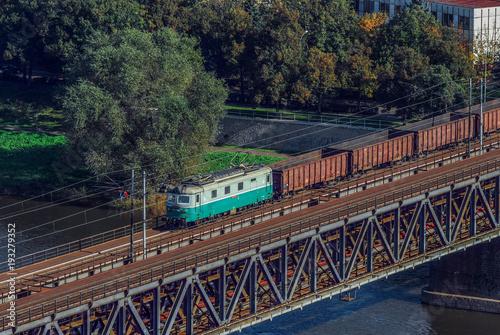 Fotobehang Spoorlijn Güterzug bei Usti nad Labem (Tschechien)