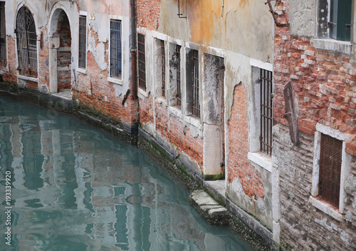 Foto op Aluminium Venetie Old Houses near the navigable Canal in Venice
