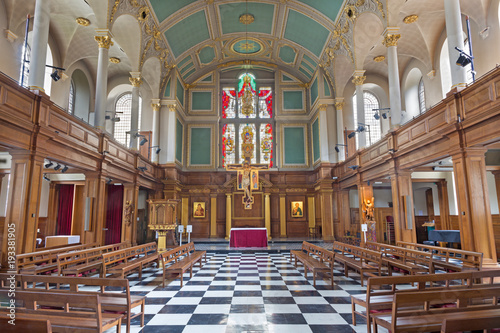 LONDON, GREAT BRITAIN - SEPTEMBER 16, 2017: The nave of church St. Andrew Holborn. © Renáta Sedmáková