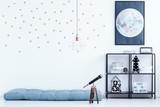 Bedroom with star wallpaper - 193391364