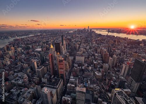 Vista aerea de Nueva York, al atardecer, en navidad