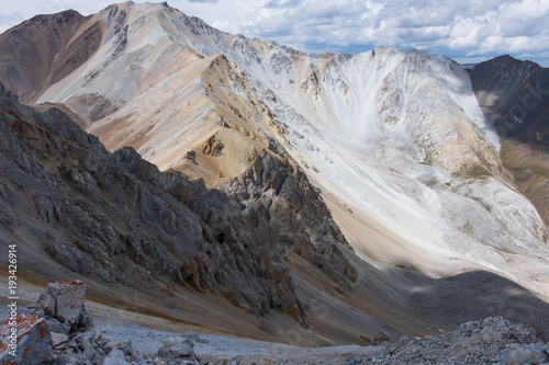 Multicolored mountains - 193426914