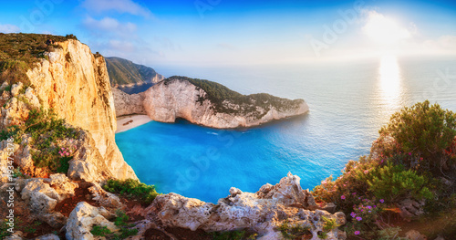 Aluminium Schipbreuk Greece. Epic sunset scenery of Zate island, full name is Zakynthos - popular summer resort and European travel destination in Greece. Picturesque Navagio beach panorama with shipwreck landmark.