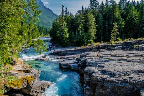 Fotobehang Bergrivier Beautiful Summer Day in Glacier National Park, Montana