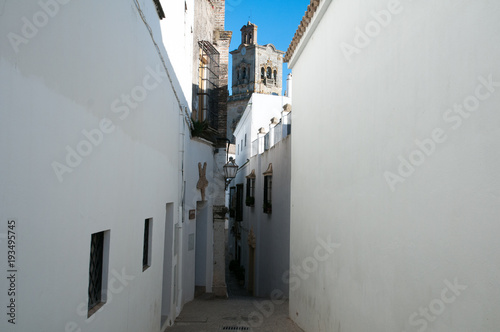In de dag Smal steegje Andalucian white towns