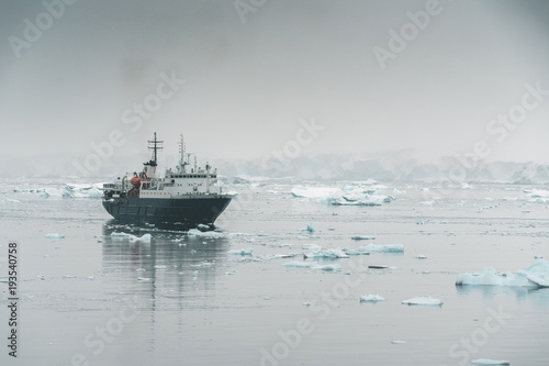 Fotobehang Antarctica Expedition Vessel in the Ice - Antarctica