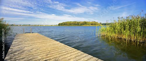 Fototapeta Badestelle am See mit Holzsteg, Mecklenburg, Deutschland