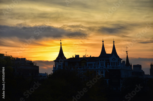 Papiers peints Madrid sunset skyline in madrid